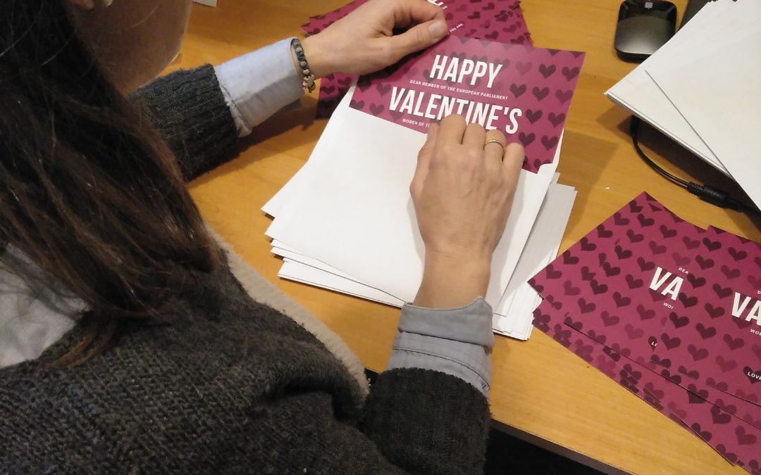 Entrega de felicitaciones a los diputados por San Valentín